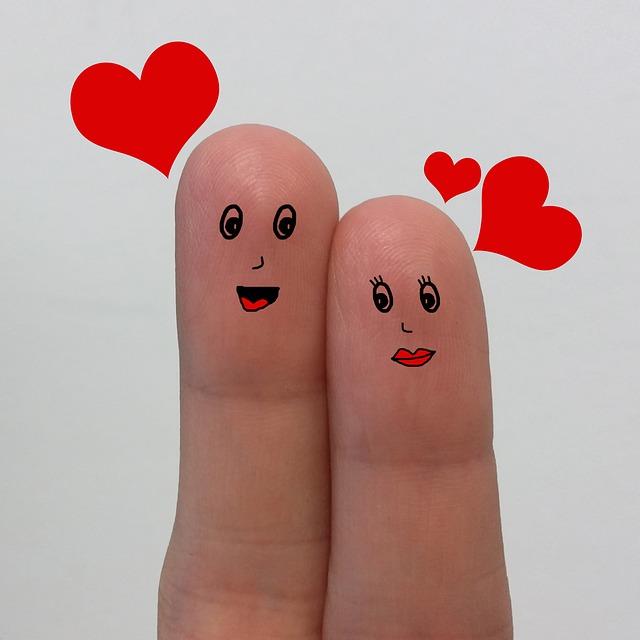 fingers-2010105_640