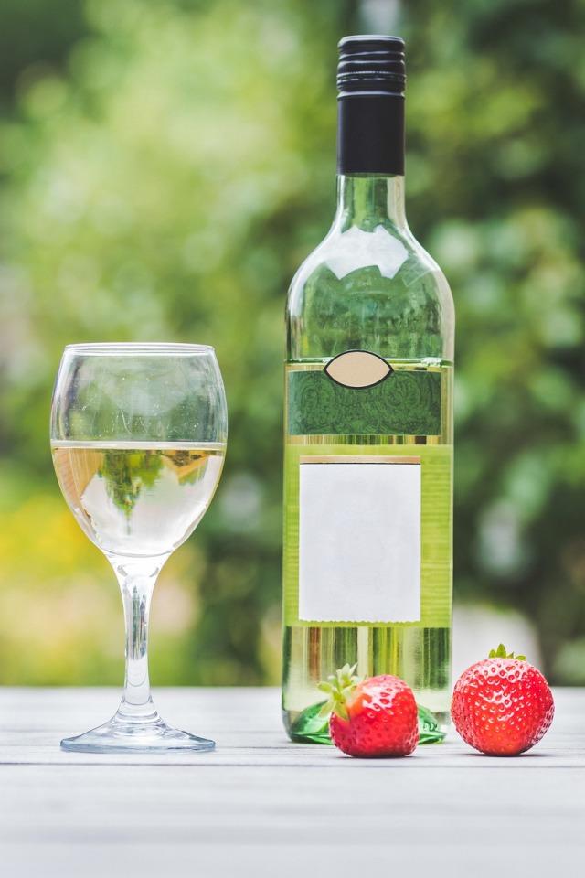 white-wine-4417299_1280